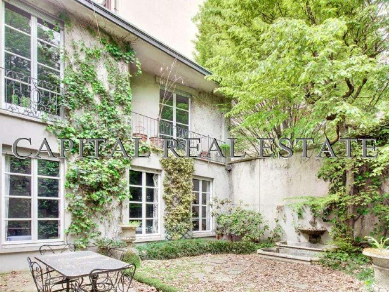 Villa in Vendita a Milano 01 Centro storico (Cerchia dei Navigli): 560 mq