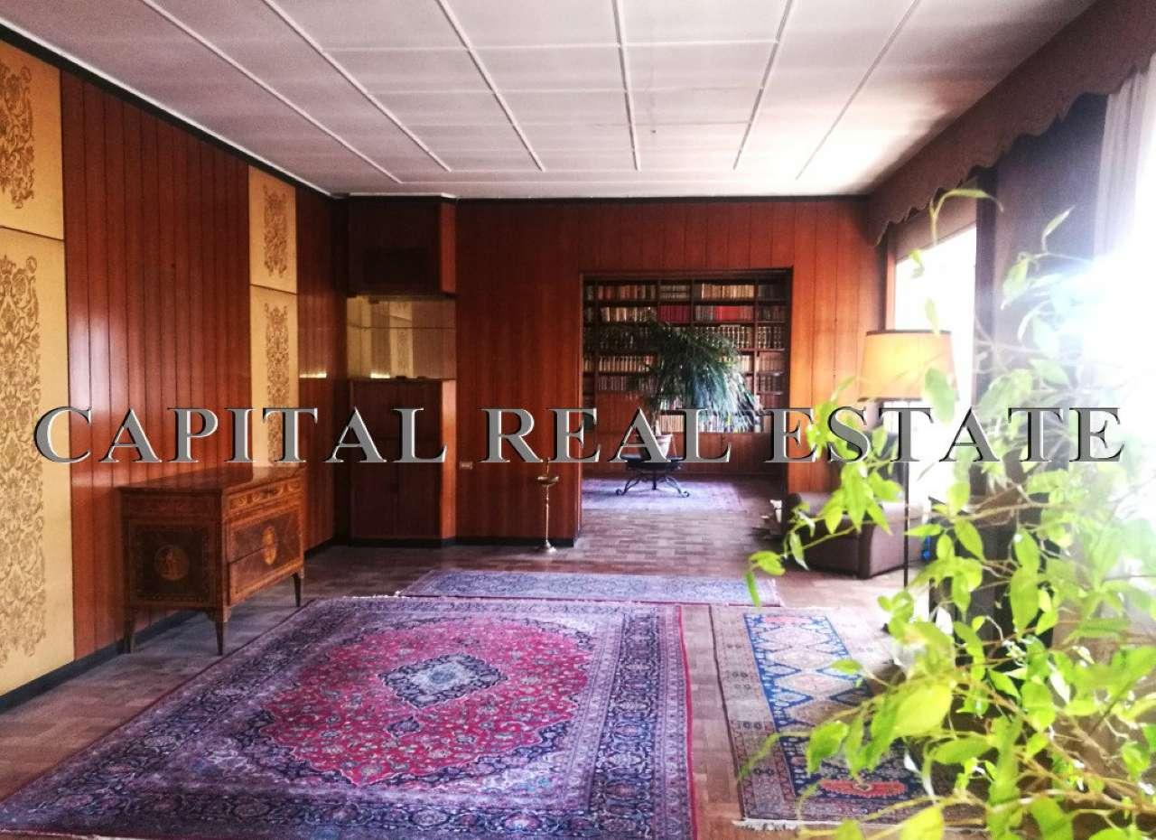Appartamento in Vendita a Milano 01 Centro storico (Cerchia dei Navigli): 5 locali, 300 mq