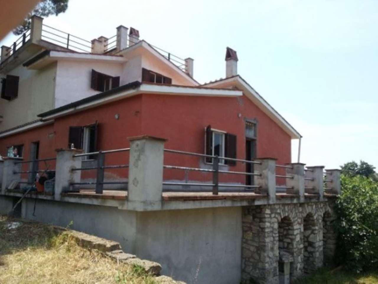 Soluzione Indipendente in vendita a Palombara Sabina, 6 locali, prezzo € 170.000 | Cambio Casa.it