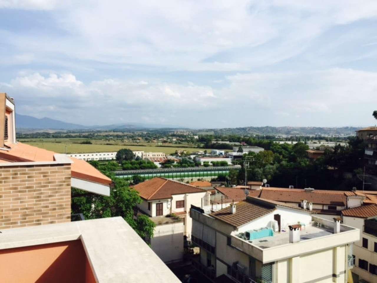 Appartamento in vendita a Castelnuovo di Porto, 3 locali, prezzo € 89.000 | CambioCasa.it