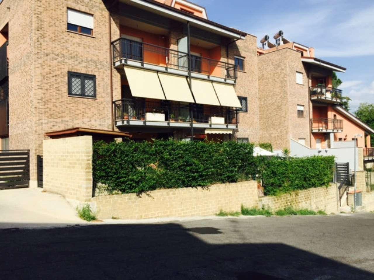 Appartamento in vendita a Castelnuovo di Porto, 9999 locali, prezzo € 79.000 | CambioCasa.it
