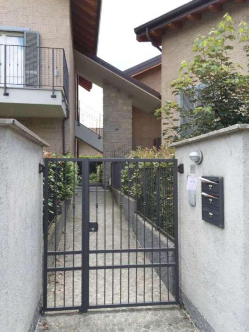 Bilocale Carate Brianza Via Venezia 8