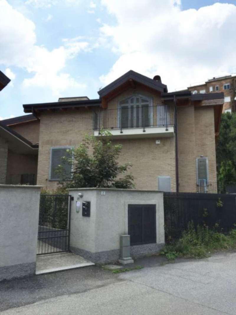 Bilocale Carate Brianza Via Venezia 9