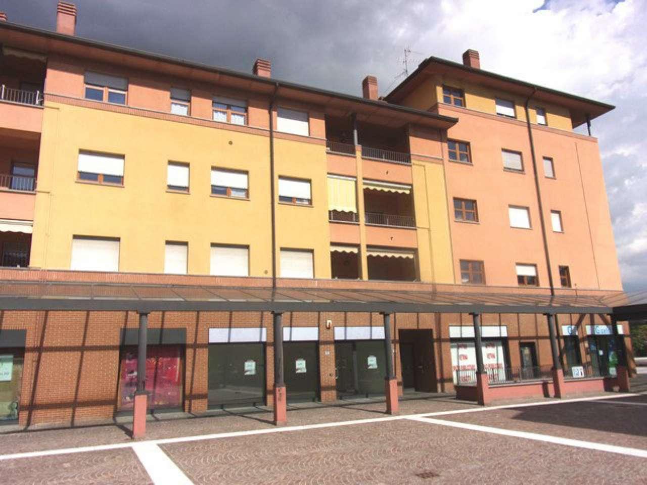 Negozio / Locale in vendita a Desio, 1 locali, prezzo € 106.000   Cambio Casa.it