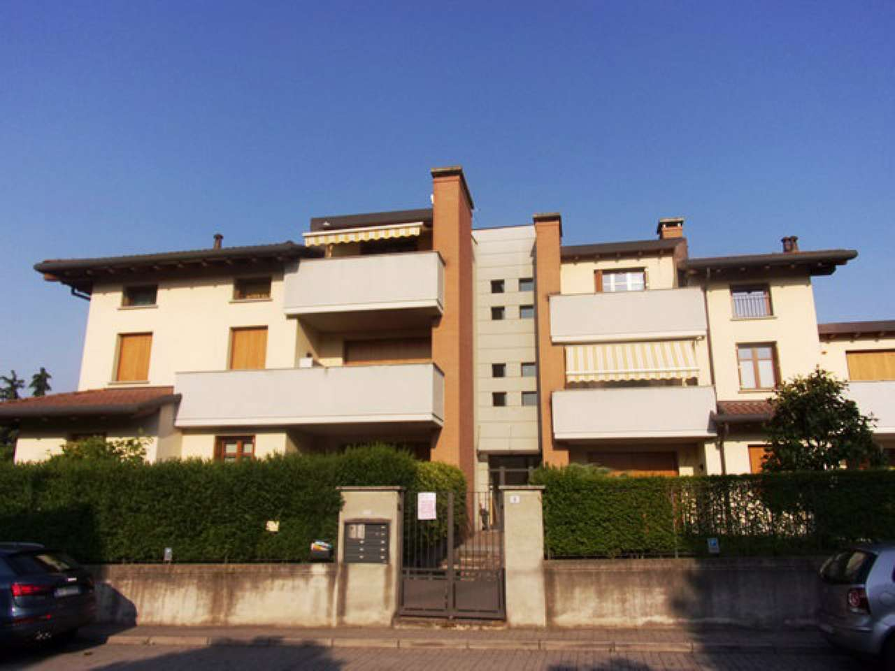 Trova appartamenti in vendita a besana in brianza for Trova casa brianza
