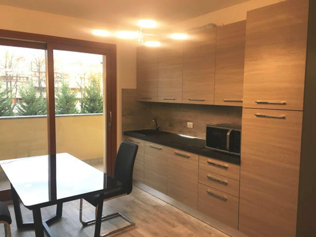 Appartamento in affitto a Tradate, 2 locali, prezzo € 475 | CambioCasa.it
