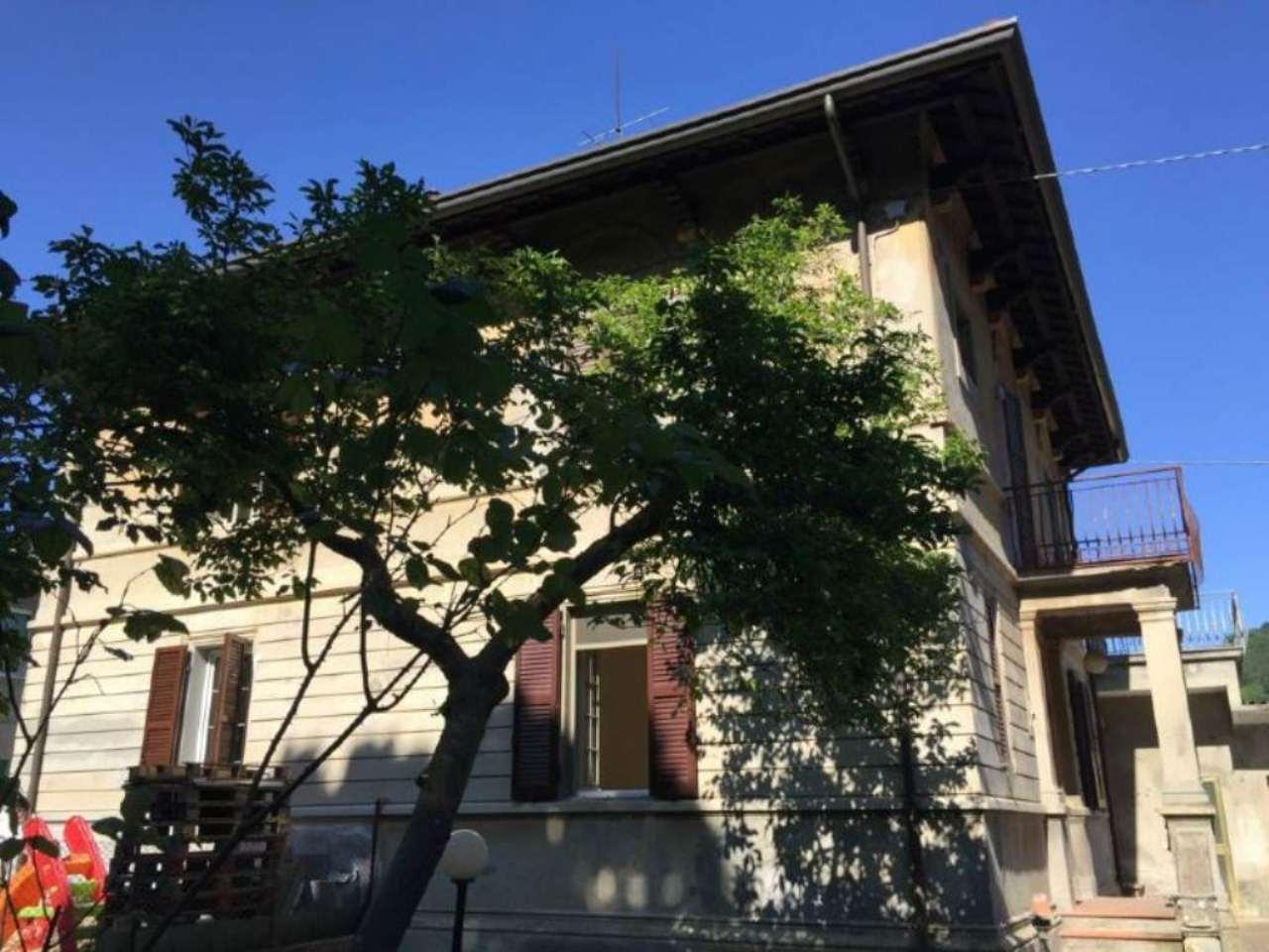 Palazzo / Stabile in Vendita a Mercato Saraceno