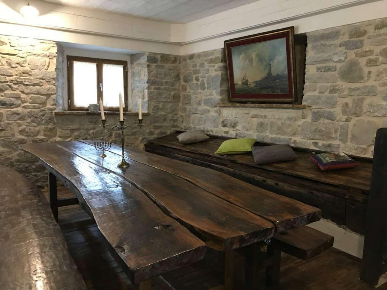 Rustico / Casale in vendita a Pennabilli, 10 locali, prezzo € 750.000 | CambioCasa.it