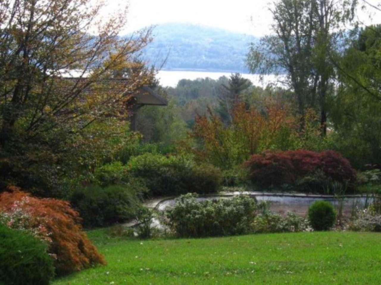 Villa in vendita a Varese, 6 locali, prezzo € 800.000 | Cambio Casa.it