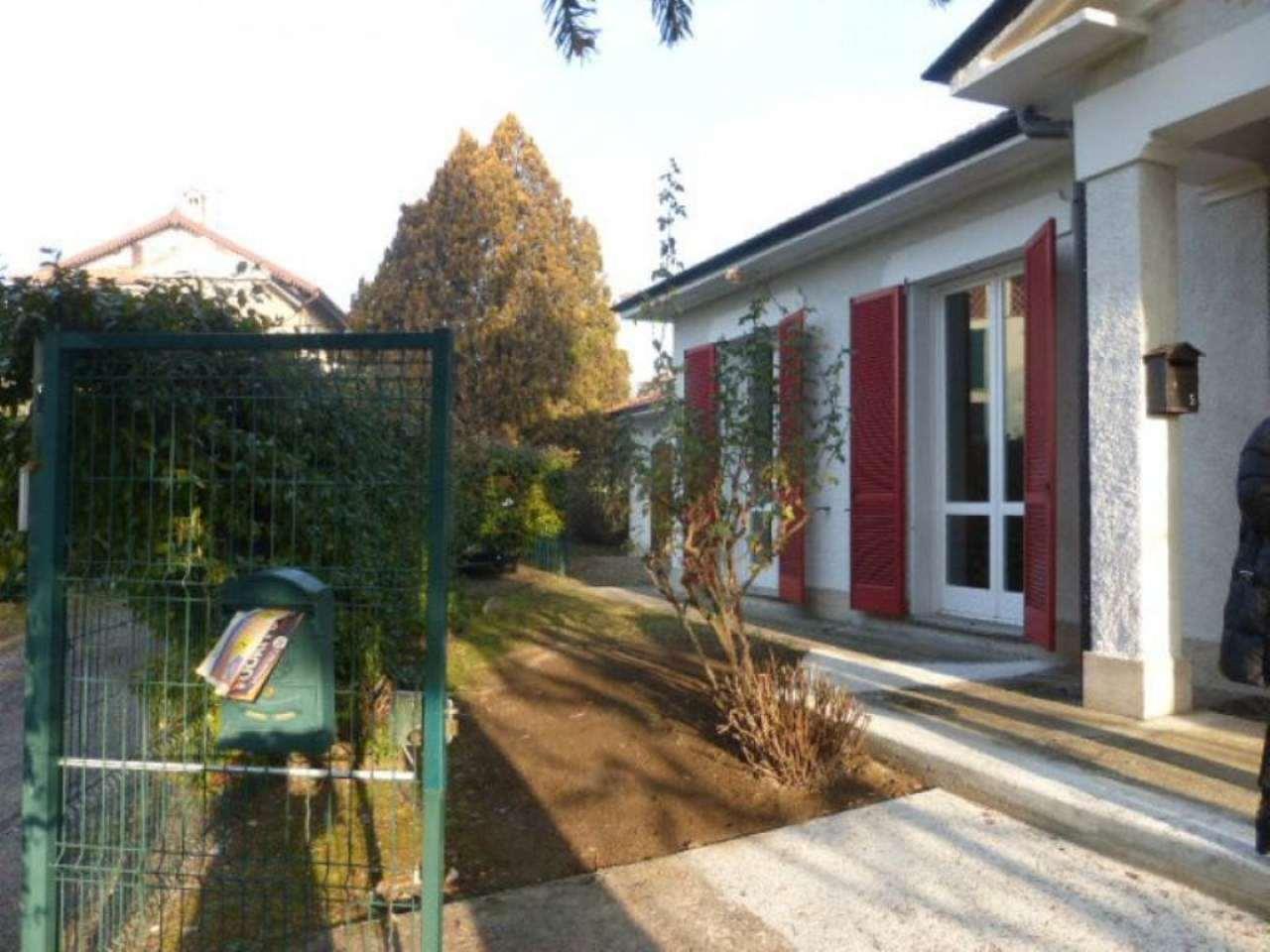 Villa in vendita a Varese, 5 locali, prezzo € 500.000   Cambio Casa.it