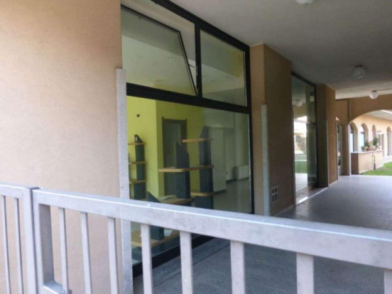 Negozio / Locale in vendita a Oggiona con Santo Stefano, 2 locali, prezzo € 80.000 | Cambio Casa.it