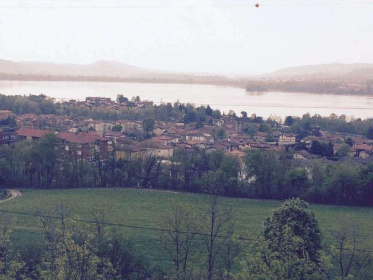 Villa in vendita a Comerio, 8 locali, prezzo € 450.000 | CambioCasa.it