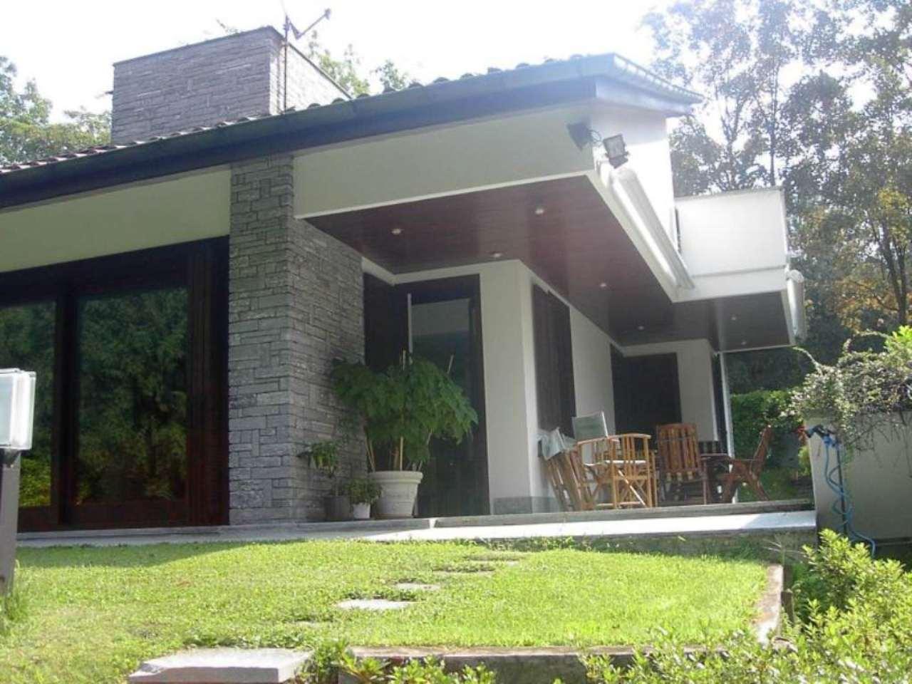 Villa in vendita a Casciago, 6 locali, Trattative riservate | Cambio Casa.it