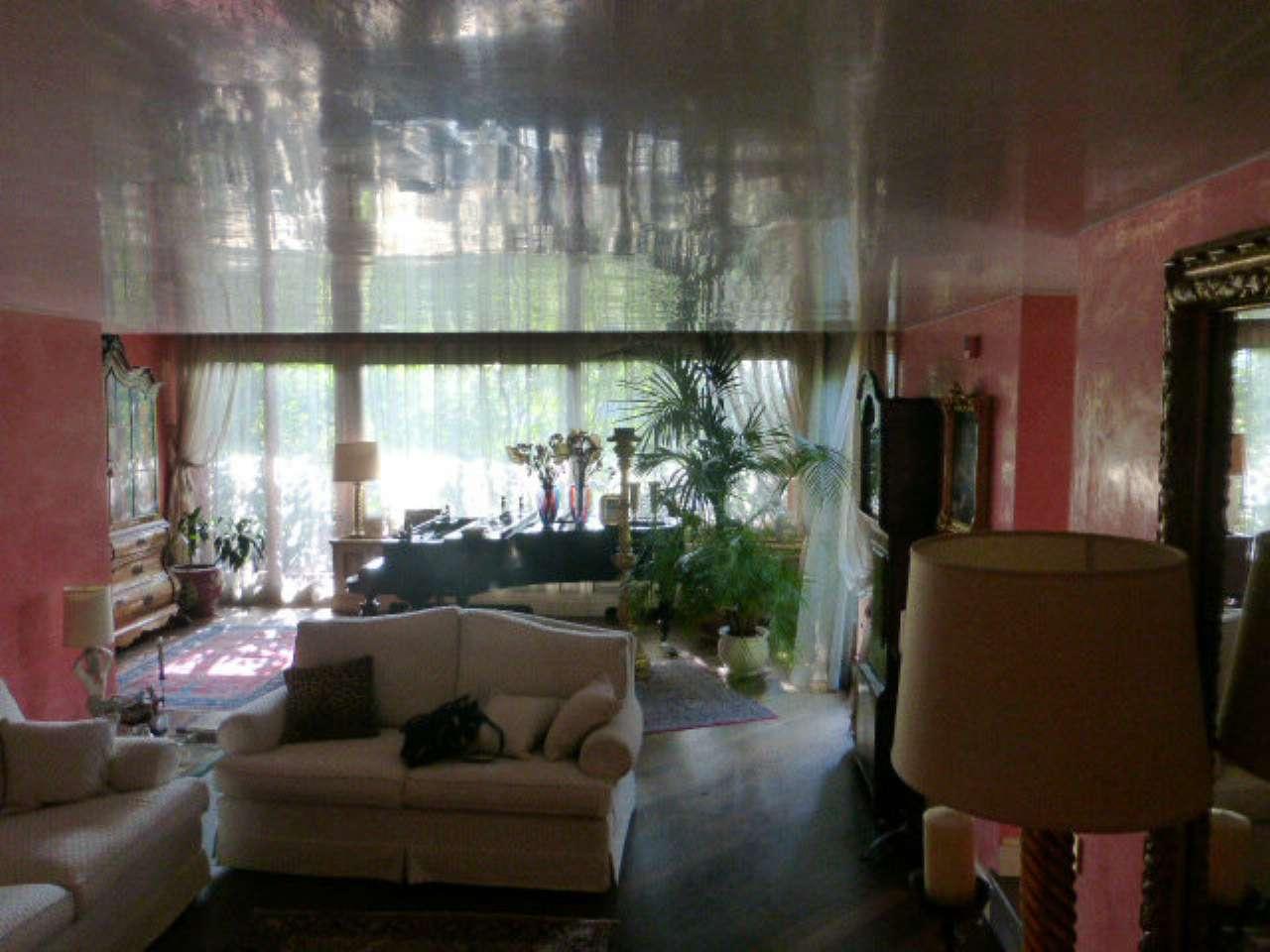 Attico / Mansarda in vendita a Varese, 7 locali, Trattative riservate | Cambio Casa.it