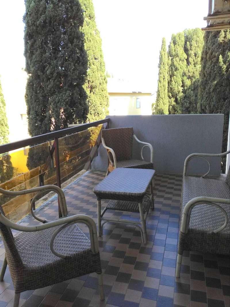 Appartamento in vendita 3 vani 100 mq.  via CASSIA Roma