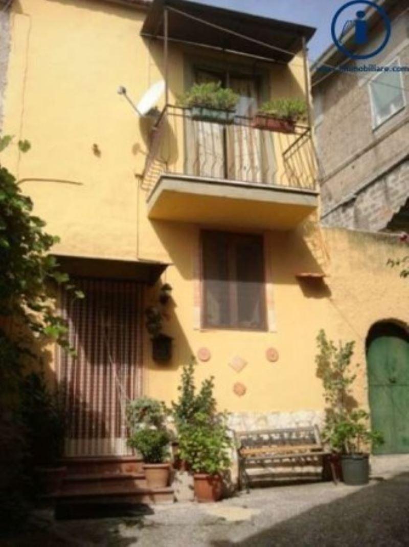 Bilocale Castel Morrone Via Torone 2