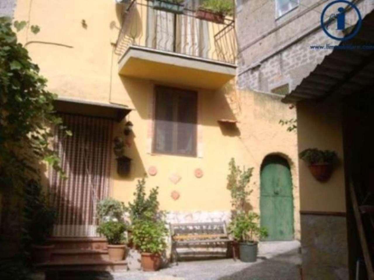 Bilocale Castel Morrone Via Torone 4