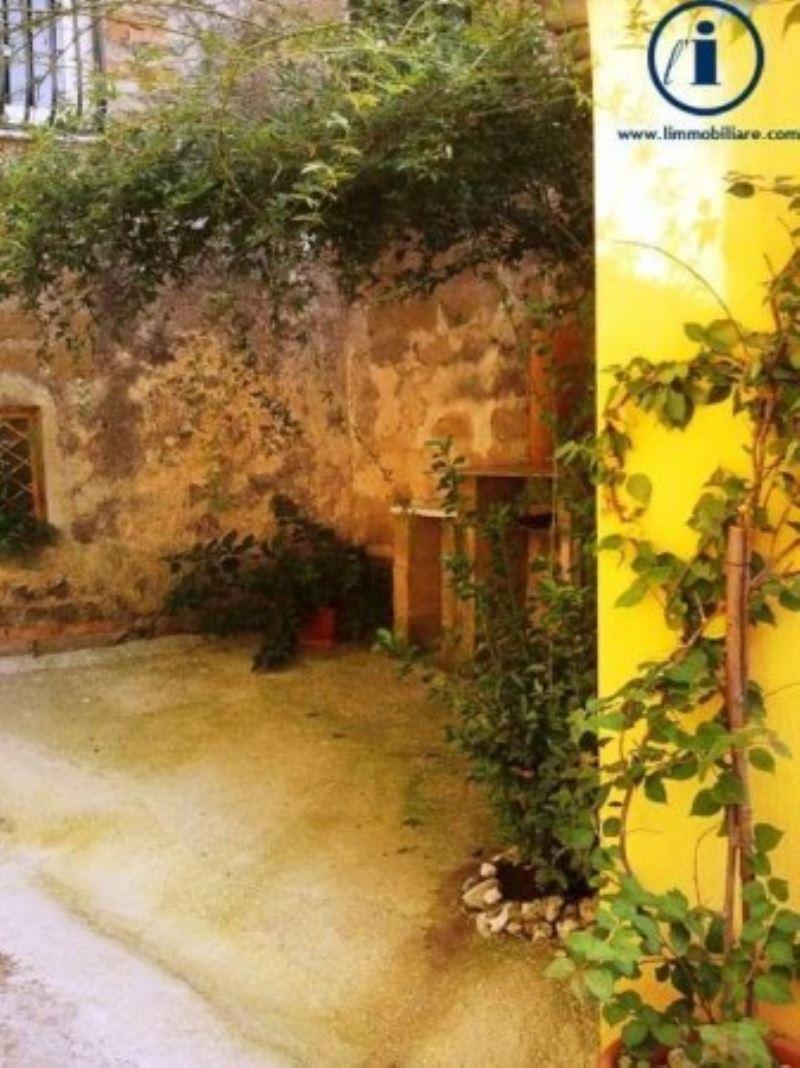 Bilocale Castel Morrone Via Torone 5