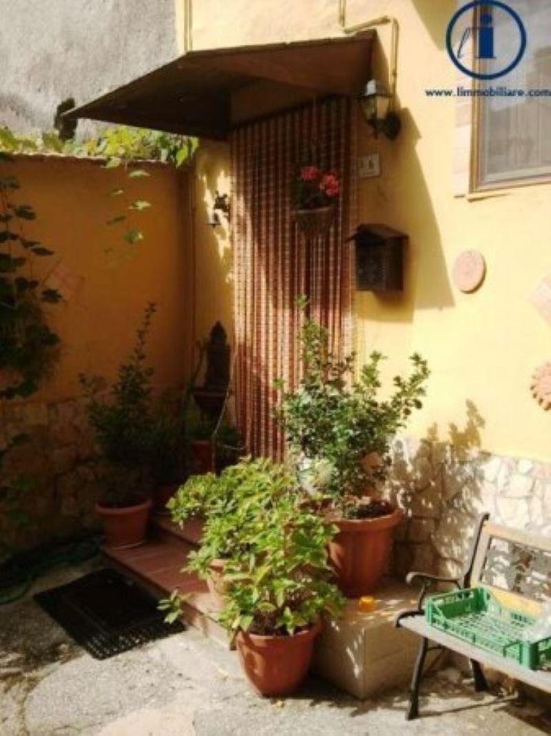 Bilocale Castel Morrone Via Torone 8