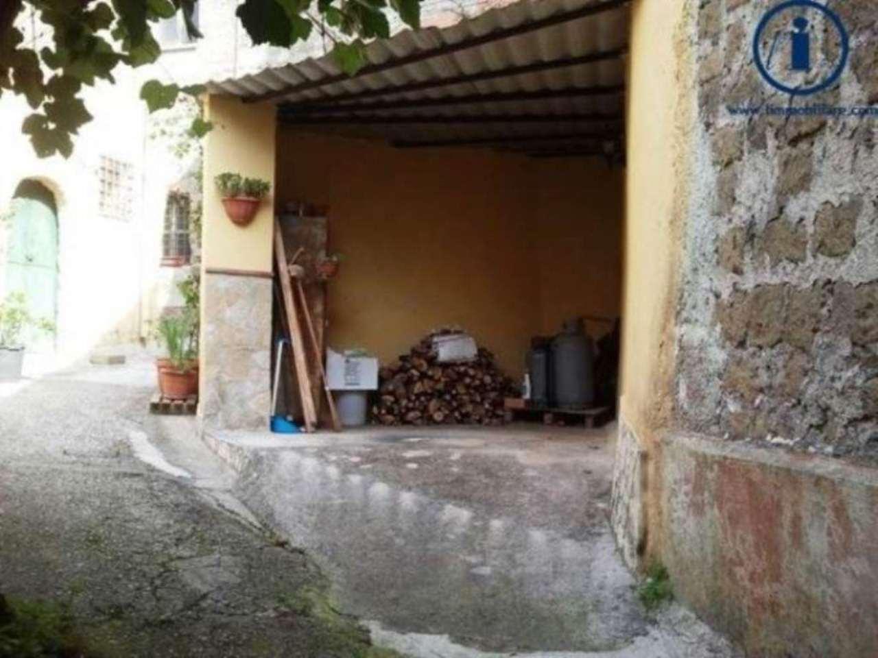 Bilocale Castel Morrone Via Torone 9