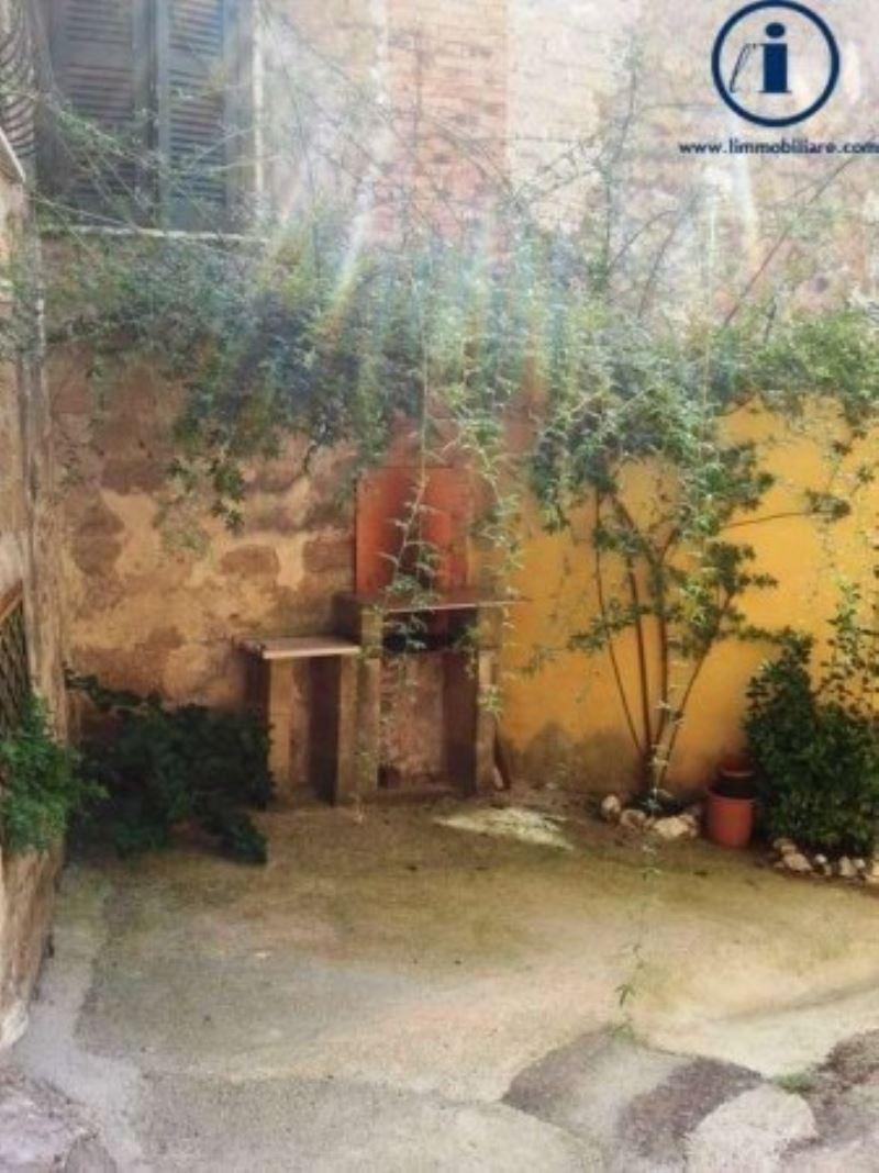 Bilocale Castel Morrone Via Torone 10