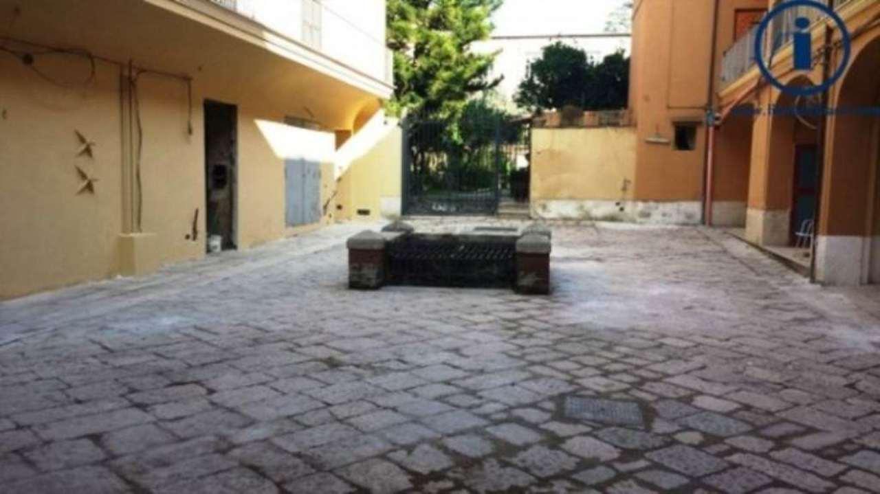 Bilocale Caserta Via Giovanbattista Vico 2