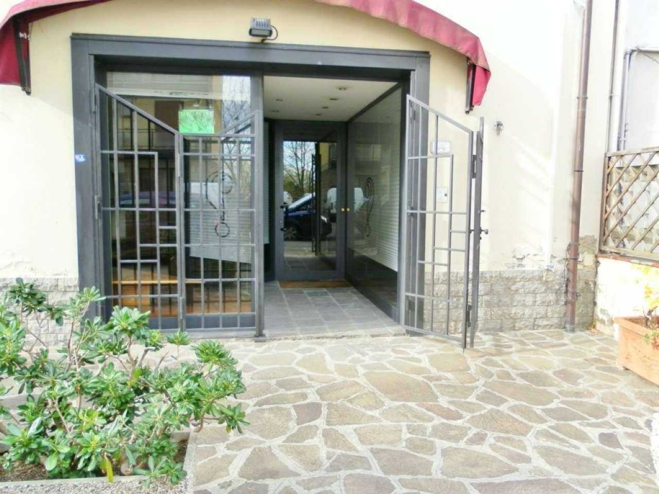 Negozio / Locale in vendita a Signa, 3 locali, prezzo € 290.000   CambioCasa.it