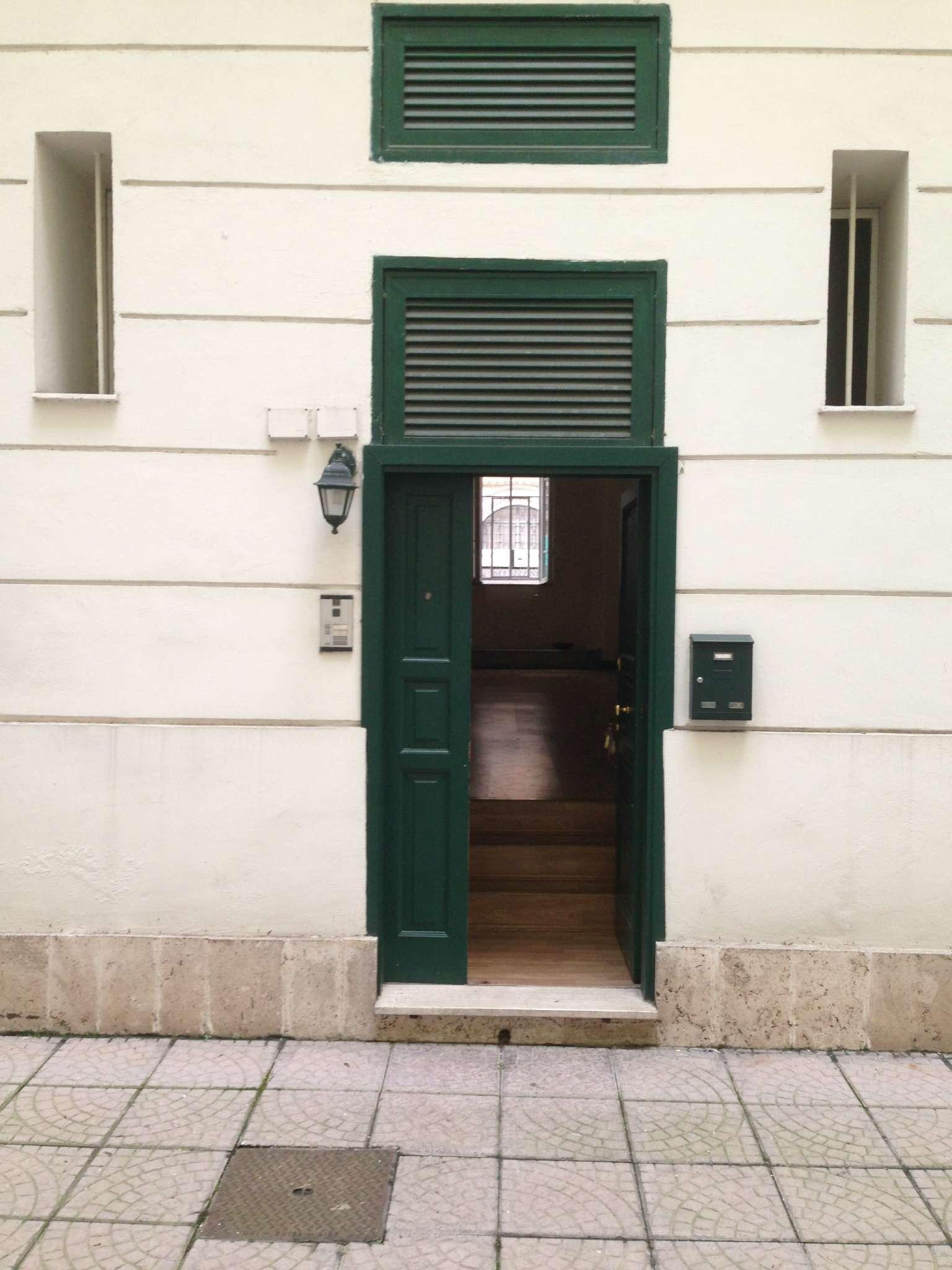 Loft / Openspace in affitto a Roma, 9999 locali, zona Zona: 30 . Prati, Borgo, San Pietro, prezzo € 1.300 | Cambio Casa.it