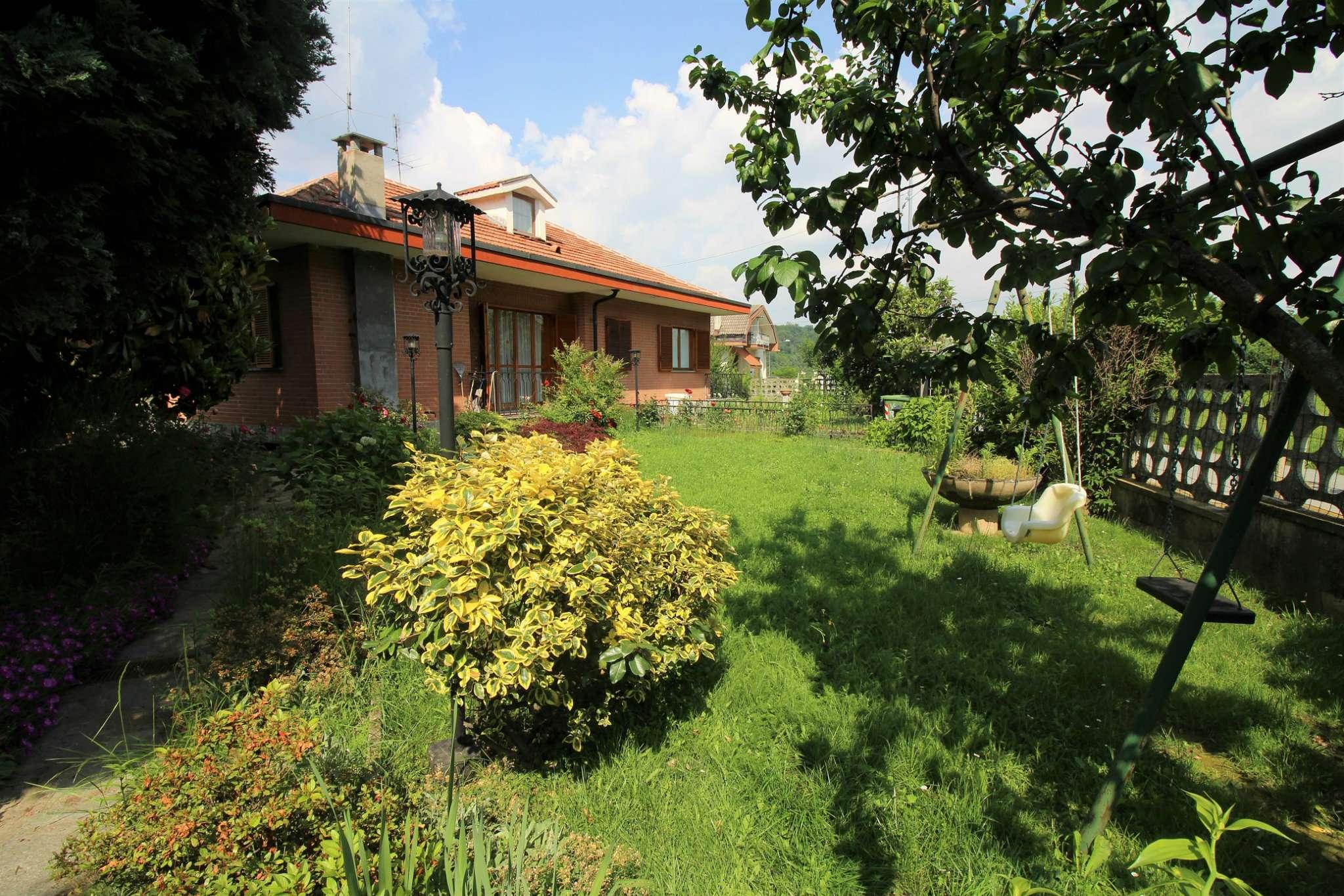 Foto 1 di Villa via ruffino 23, Trana