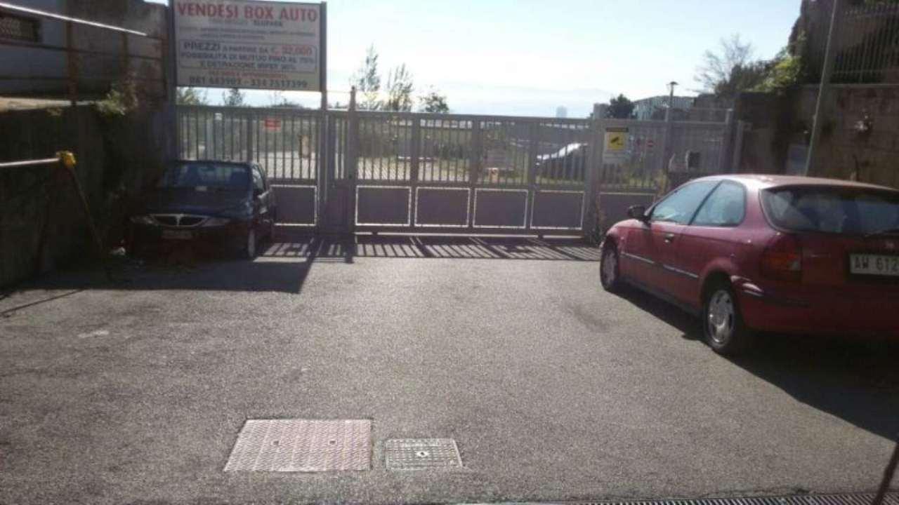 Box / Garage in affitto a Napoli, 1 locali, zona Zona: 3 . San Carlo all'Arena, Stella, Capodimonte, Colli Arinei, prezzo € 100 | Cambio Casa.it