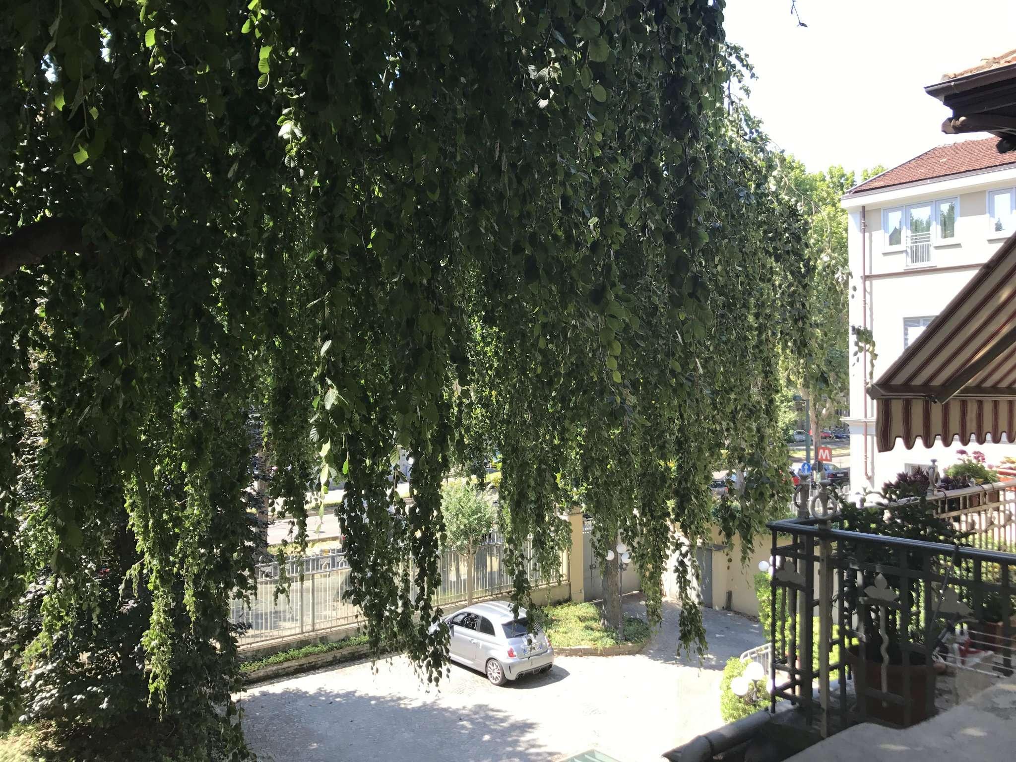 Appartamento in Vendita a Torino Semicentro Sud:  4 locali, 120 mq  - Foto 1