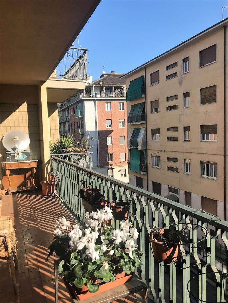 Appartamento in Vendita a Torino Semicentro Sud: 4 locali, 140 mq