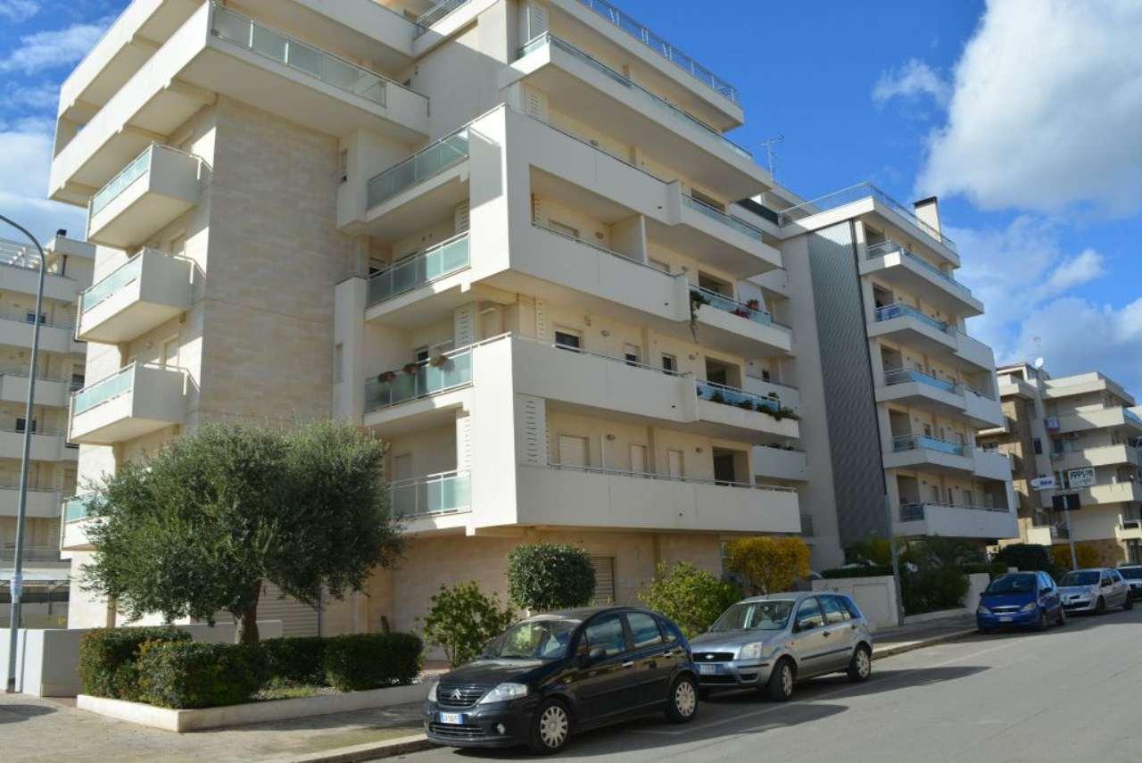 Appartamento in vendita a Casamassima, 3 locali, prezzo € 115.000   Cambio Casa.it