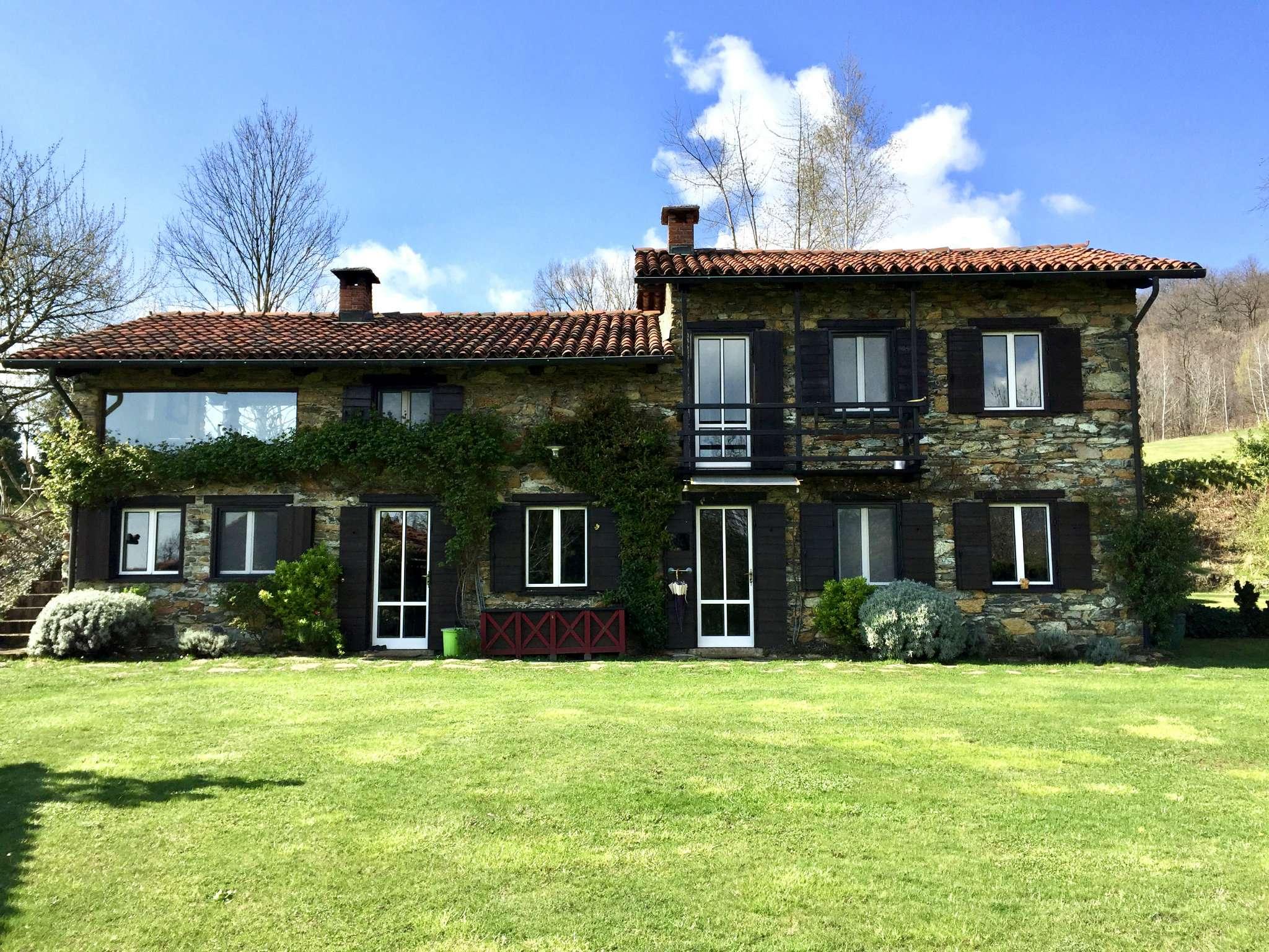 Villa in vendita a Balangero, 8 locali, prezzo € 520.000 | Cambio Casa.it