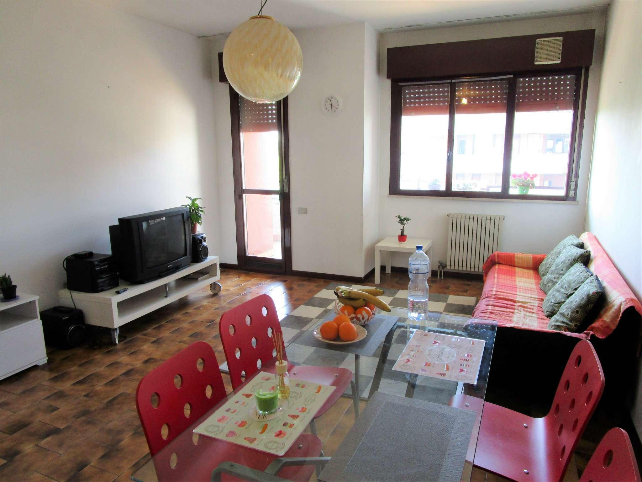 Appartamento in vendita a Padova, 4 locali, zona Zona: 2 . Nord (Arcella, S.Carlo, Pontevigodarzere), prezzo € 95.000 | Cambio Casa.it