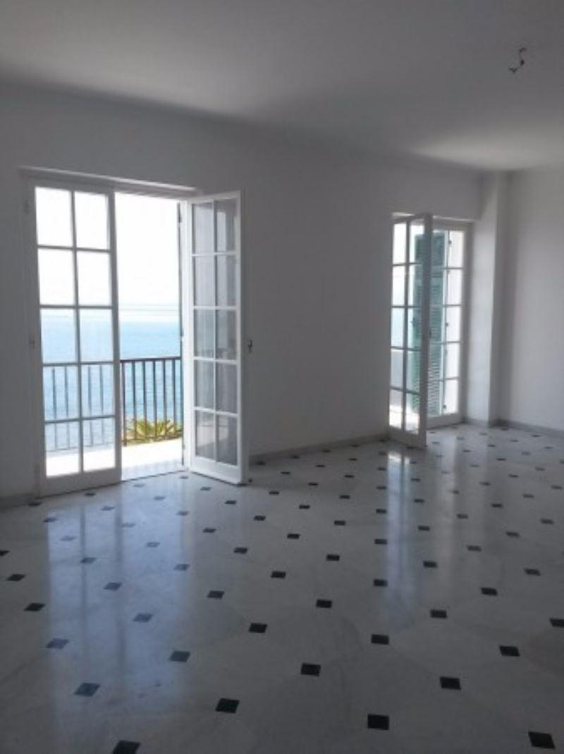 Appartamento in affitto a Genova, 6 locali, zona Zona: 20 . Quinto-Nervi, Levante Mare, prezzo € 2.000   Cambio Casa.it
