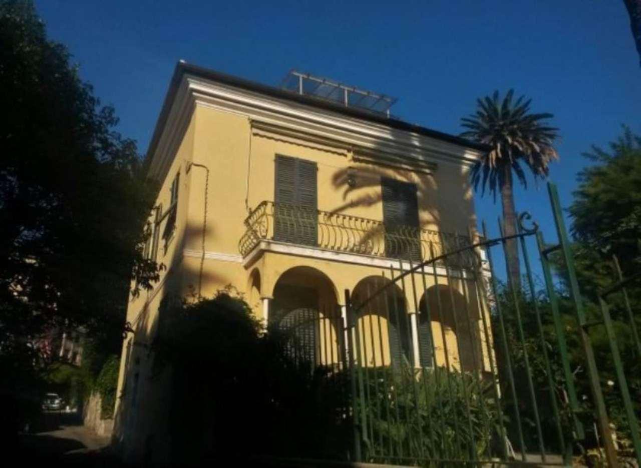 Villa in vendita a Genova, 6 locali, prezzo € 1.400.000 | Cambio Casa.it