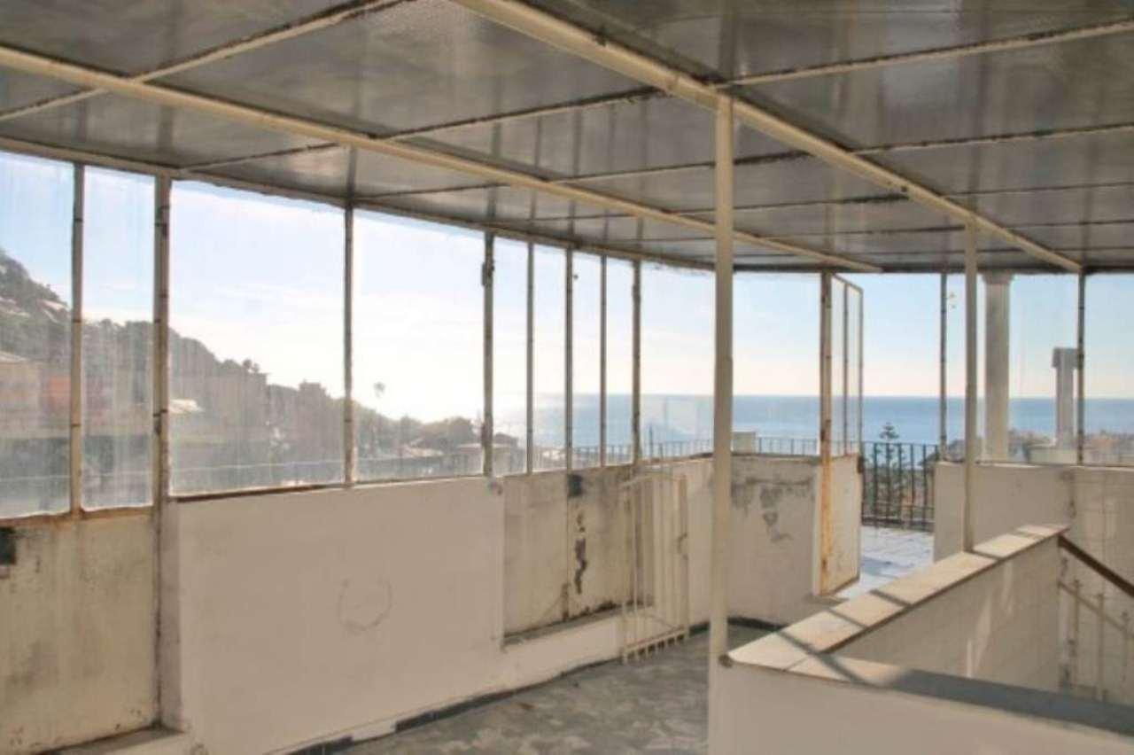 Appartamento in vendita a Bogliasco, 4 locali, prezzo € 445.000 | Cambio Casa.it