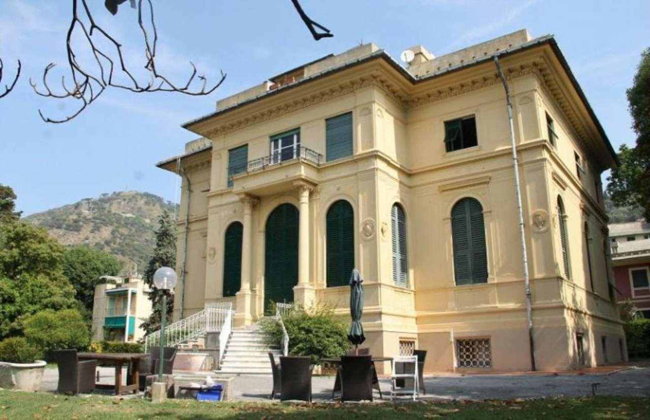 Appartamento in affitto a Genova, 5 locali, prezzo € 1.400 | Cambio Casa.it