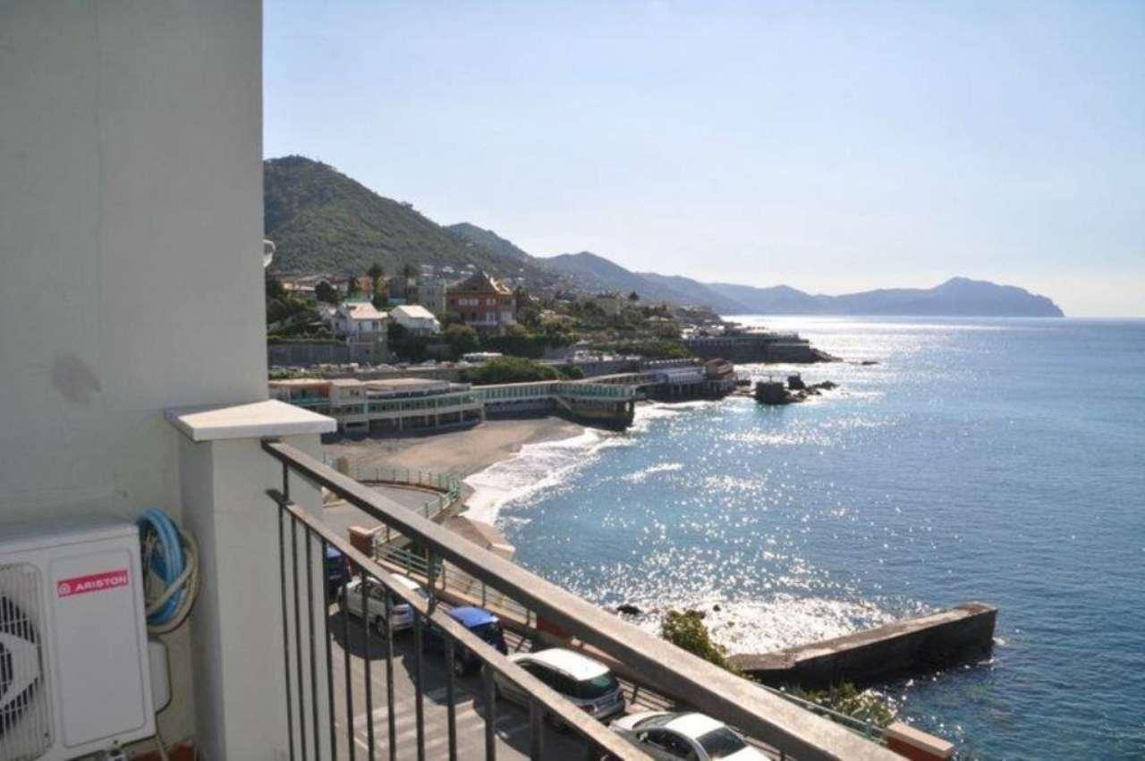 Appartamento in affitto a Genova, 9999 locali, zona Zona: 19 . Quarto, prezzo € 2.100 | Cambio Casa.it