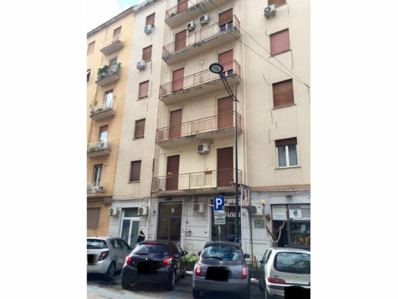 Appartamento in affitto a Palermo, 6 locali, prezzo € 770 | Cambio Casa.it