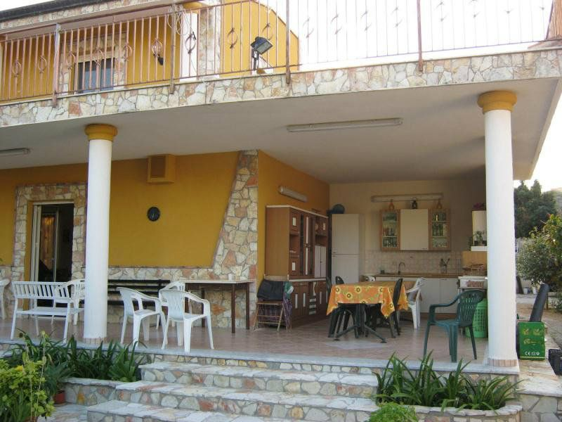 Villa in vendita a Altavilla Milicia, 6 locali, prezzo € 249.000 | Cambio Casa.it
