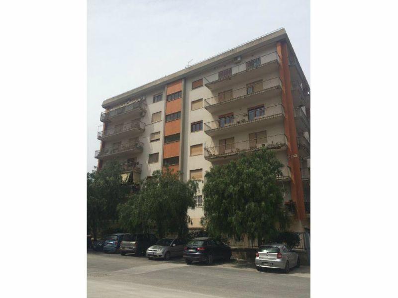 Appartamento in vendita a Palermo, 6 locali, prezzo € 425.000   Cambio Casa.it