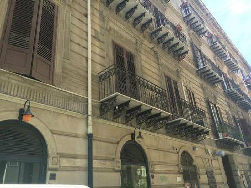 Ufficio / Studio in affitto a Palermo, 2 locali, prezzo € 620   Cambio Casa.it