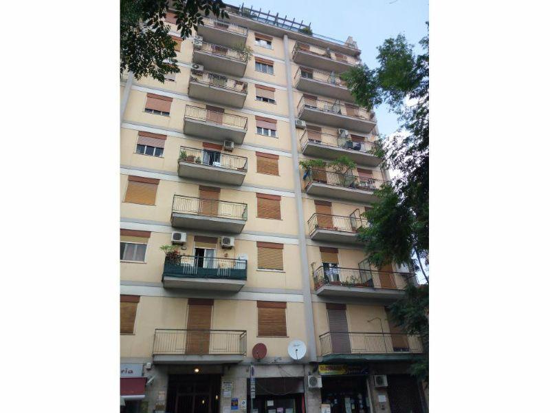 Appartamento in vendita a Palermo, 5 locali, prezzo € 180.000 | Cambio Casa.it