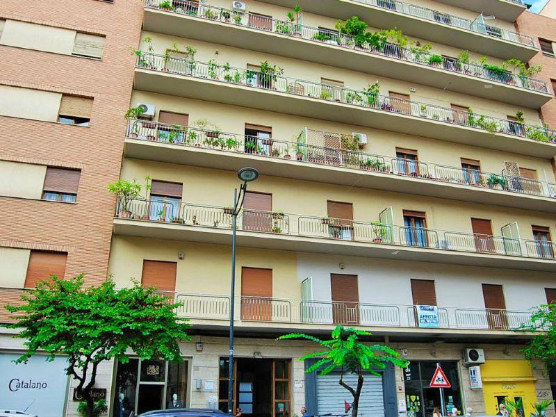 Appartamento in affitto a Palermo, 7 locali, prezzo € 1.150 | Cambio Casa.it