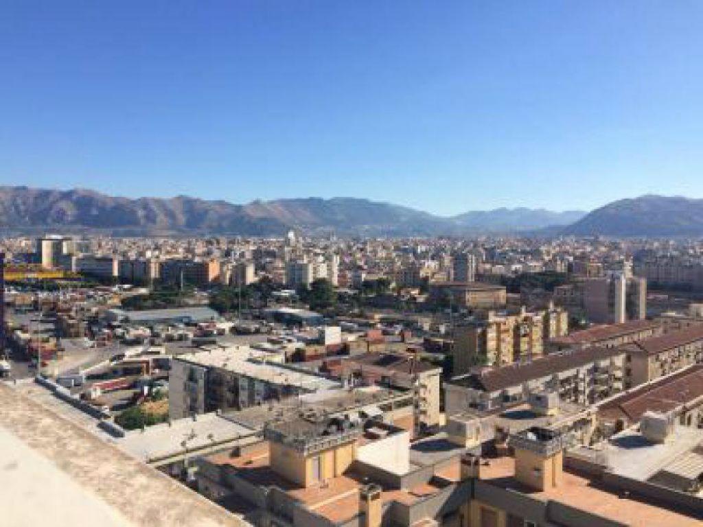 Attico / Mansarda in vendita a Palermo, 5 locali, prezzo € 400.000 | Cambio Casa.it