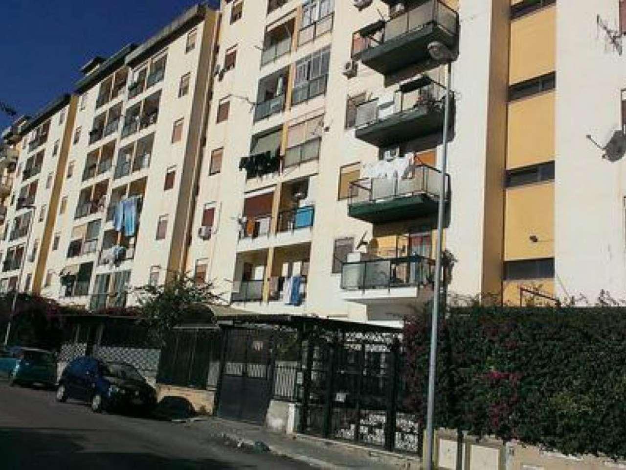 Appartamento in vendita a Palermo, 5 locali, prezzo € 155.000 | Cambio Casa.it