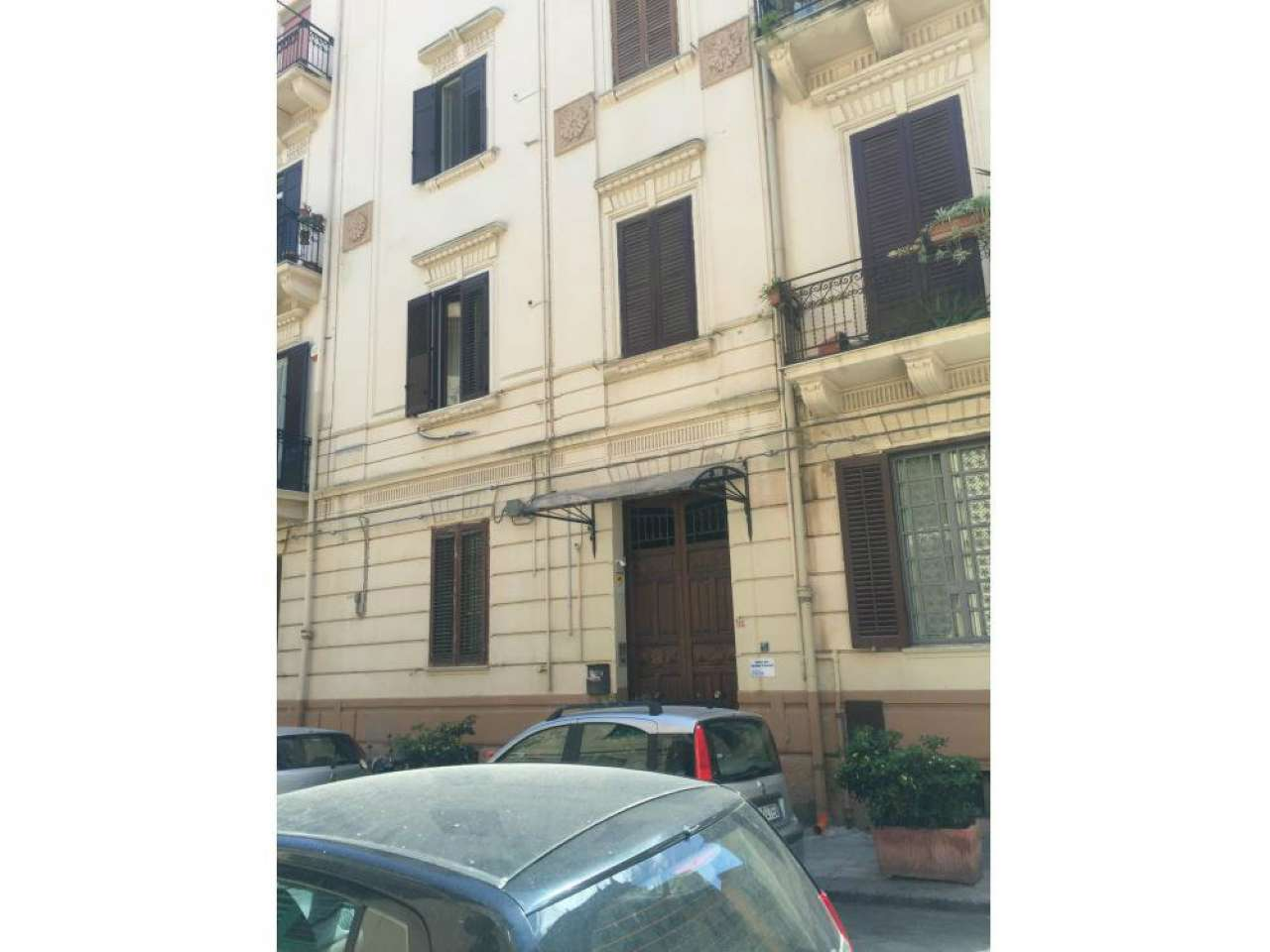 Appartamento in vendita a Palermo, 5 locali, prezzo € 150.000 | Cambio Casa.it