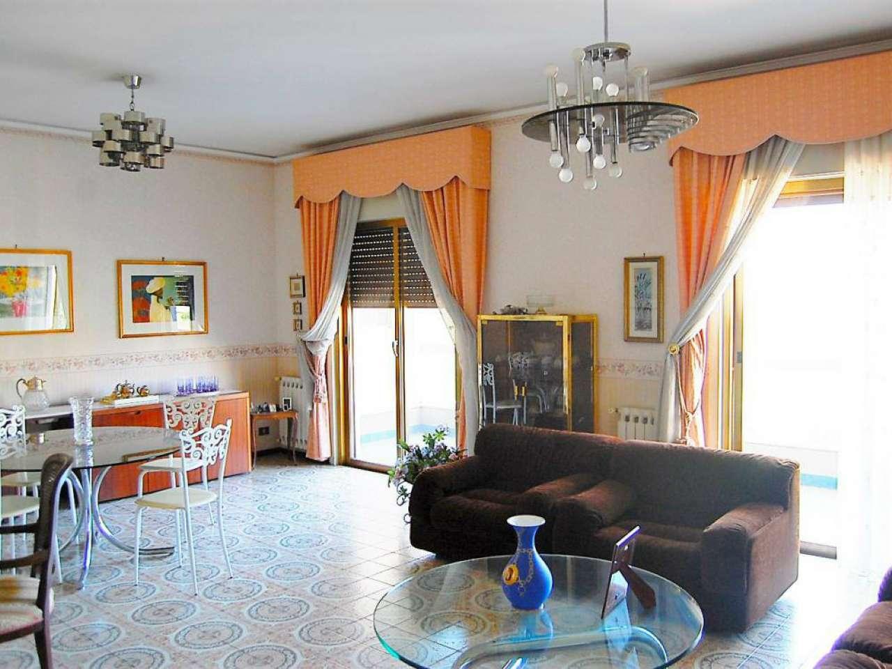 Appartamento in vendita a Palermo, 5 locali, prezzo € 278.000   Cambio Casa.it